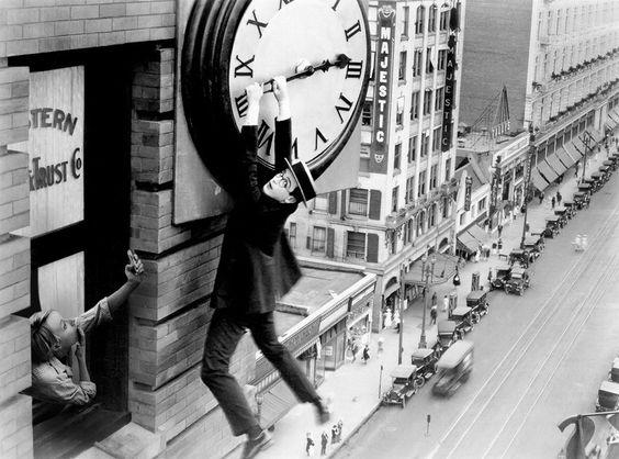 "Time Travel (Harold Lloyd from ""Safety Last"" - 1923) / Flora Bórsi"