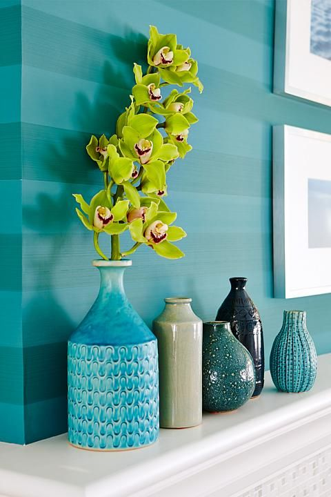 Globe and Mail Real Potential Turquoise Living Wallpaper Stripes - Sarah Richardson