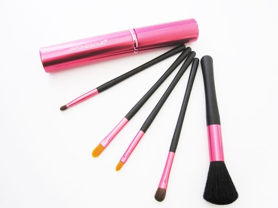 Japonesque Brush Set Touch Up Tube in Pink for Breast Cancer Awareness Month #beauty