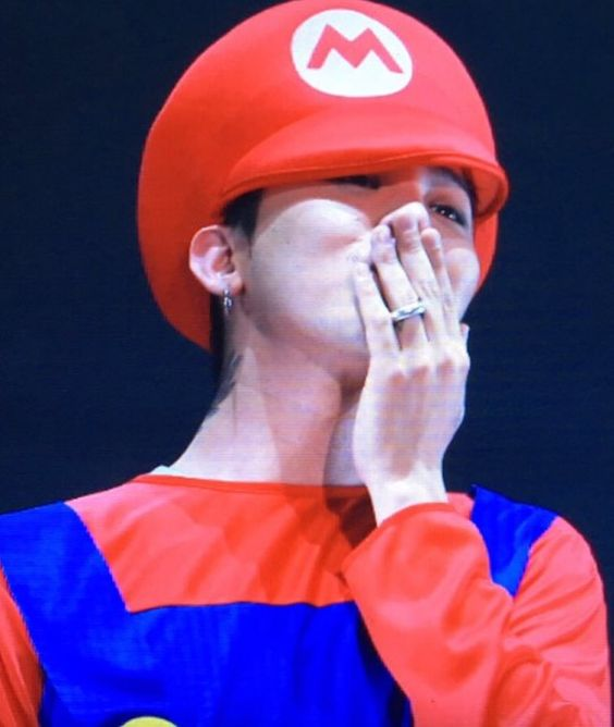 G Dragon as Mario