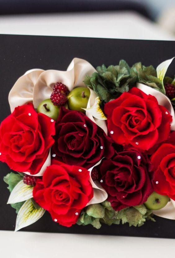 preserved flower red roses