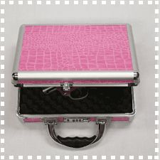 TZ0011PA is our stylish pink alligator ladies single pistol case. It's a top seller! The case features an aluminum frame, interior foam and a combination lock for security.