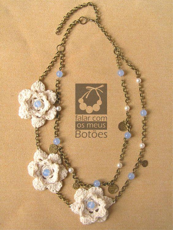"""Boho necklace with crochet flowers. Visit on Facebook """" Falar com os meus botões""""!"""