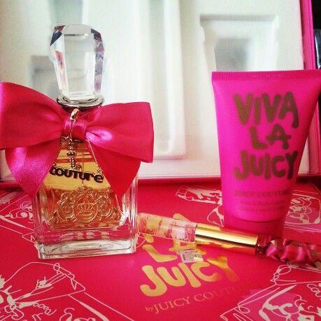 Kit Viva la Juicy, lindo presente para sua mãe.  De R$ 479,00 por R$ 280,00  Promoção dia das mães Kit Viva la Juicy de R$ 479,00, somente para os clientes Novitha preço especial para presentear as mães.  Apenas R$ 280,00.