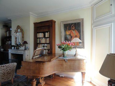ScambioCasa.com - Scheda #359623 - Ideal location for this 19th century house, so close to Paris center - situation idéale pour notre maison du 19e s si proche du centre de Paris- also a seaside villa