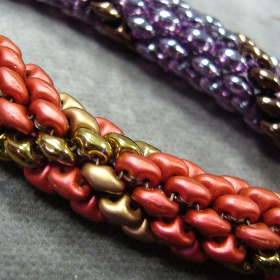 Superduo (or twin) rope chain.  Good pix but also translate. #seed #bead #tutorial