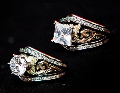Bob Berg Designs - Unique, innnovative and exceptional designed western jewelry collections.
