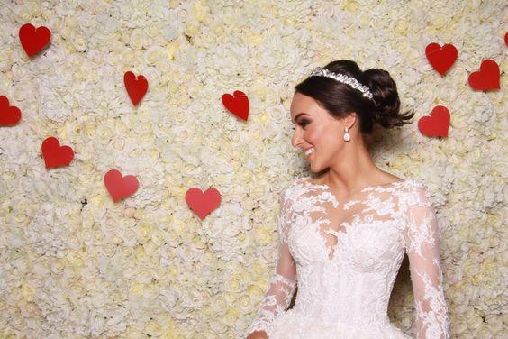 #flowerwall #roses #backdrop #newtrend #2016 #blumendekoration #hochzeit #photobooth #wedding #eventdesign #scheenes