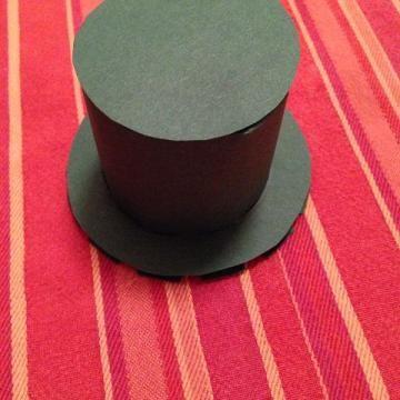 Zylinder aus Tonpapier basteln Schritt 19
