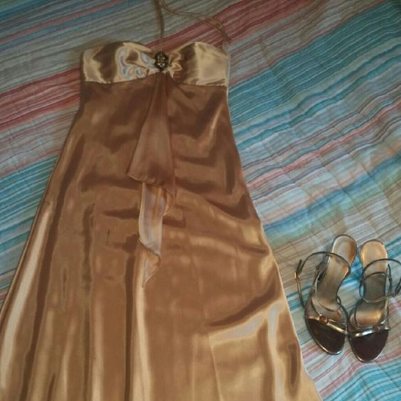 Beautiful gold Jump brand gown Beautiful gold Jump brand gown. Size 7-8.  Hidden side zipper.  Shoes in different listing also available. jump  Dresses Prom