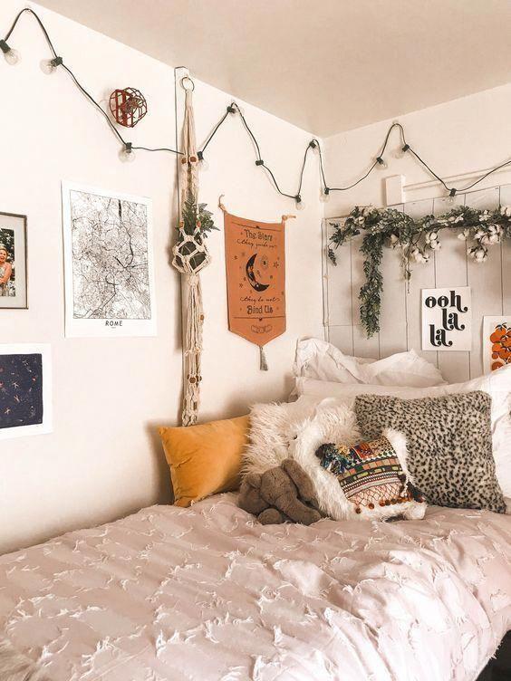 10 Amazing Dorm Room Wall Decor Ideas To Make Your Roommates Jealous Brick Wall Living Room Dorm Room Decor Dorm Room Inspiration