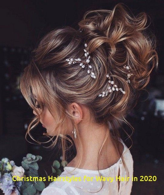 Christmas Hairstyles 2020 94 Wonderful Christmas Hairstyles for Wavy Hair In 2020 in 2020
