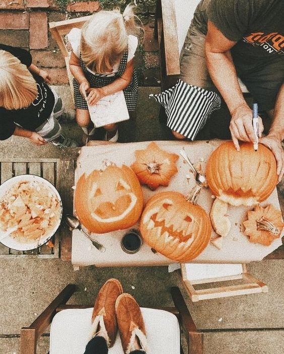Any good pumpkin recipes? 😊🧡 ~Caroline #weheartautumn #autumn #fall #autumninstagram #rain #autumnlove #autumnobsessed #instaautumn #fallinstagram #instafall #autumnaccount #fallaccount #autumn2016 #rainydays #september #october #november #halloween #autumn2018 #autumncolors