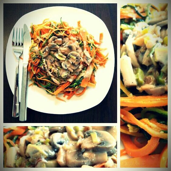 Zucchini Karotten Nudeln mit Championssauce #lowcarb