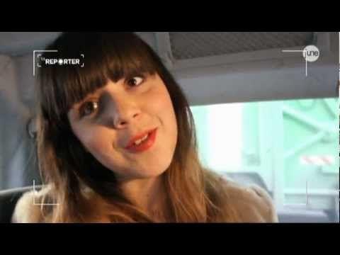 Programme TV - La Reporter June - Carole et les Modeuses - Extrait : Pauline Fashion Blog - http://teleprogrammetv.com/la-reporter-june-carole-et-les-modeuses-extrait-pauline-fashion-blog/
