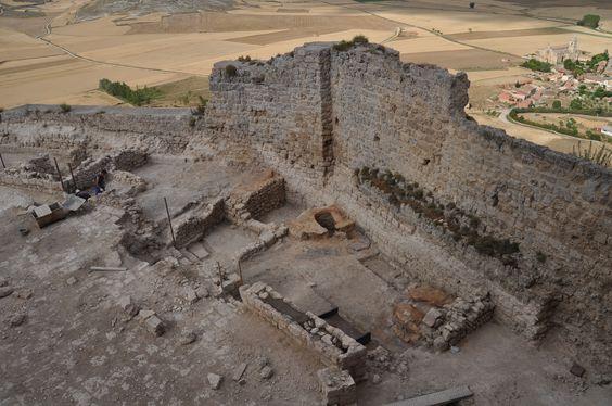 Os invitamos a pasear por el  Castillo de Castrojeriz.  #historia #turismo  http://www.rutasconhistoria.es/loc/castillo-de-castrojeriz