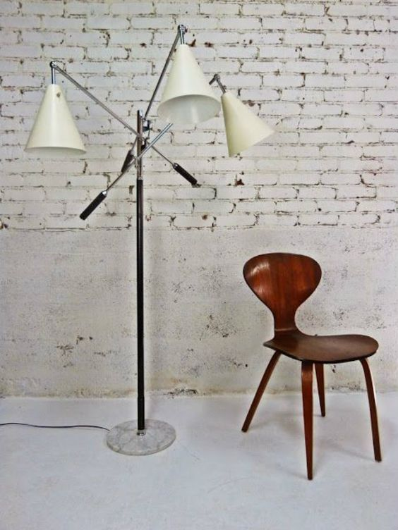 Triennale lamp by Gino Sarfatti  // Iconic Mid-Century Modern Floor Lamps that we won't forget - see more at http://modernfloorlamps.net/iconic-mid-century-modern-floor-lamps-wont-forget/