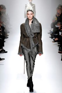 more here: http://manicfashionista.blogspot.ro/2013/03/paris-fashion-week-autumn-winter-2013-4.html#