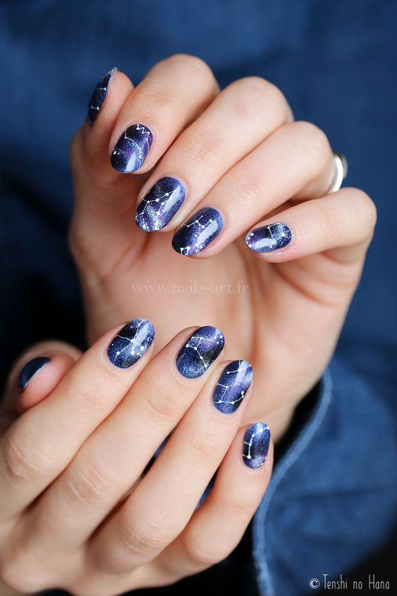 10 diseños de uñas azules que no te harán lucir aburrida - Mujer de 10