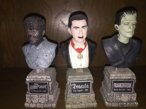 SIDESHOW-UNIVERSAL-MONSTERS-LEGACY-COLLECTION-BUSTS-FRANKENSTEIN-DRACULA-WOLFMAN