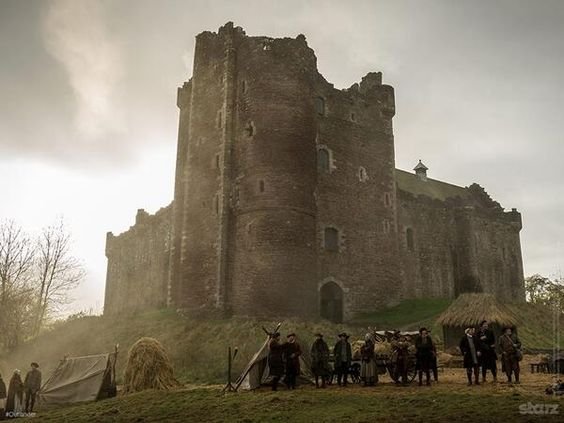 "Graham McTavish on Twitter: ""For those who haven't seen it, here's a lovely pic of Castle Leoch... http://t.co/Mv4njOMghZ"""