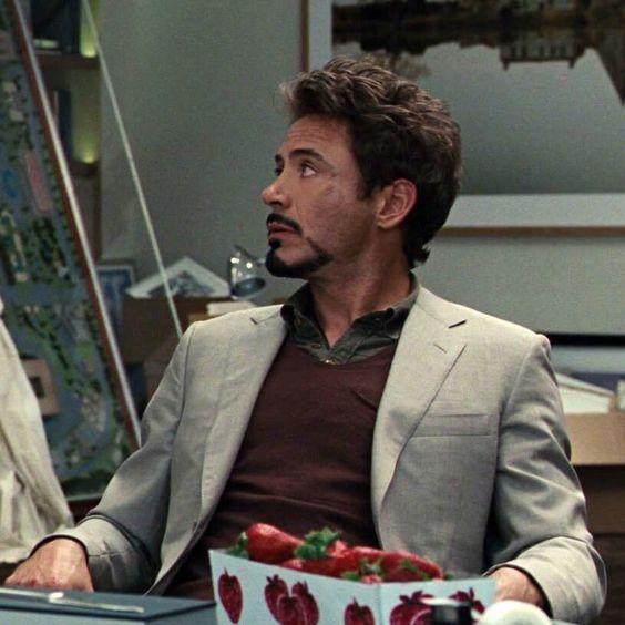 Tony Stark's On The Firing Line In First Iron Man 2 Footage!  |Tony Stark Iron Man 2 Hair