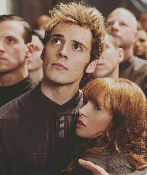 Finnik and Annie the hunger games (With images)   Hunger games ...