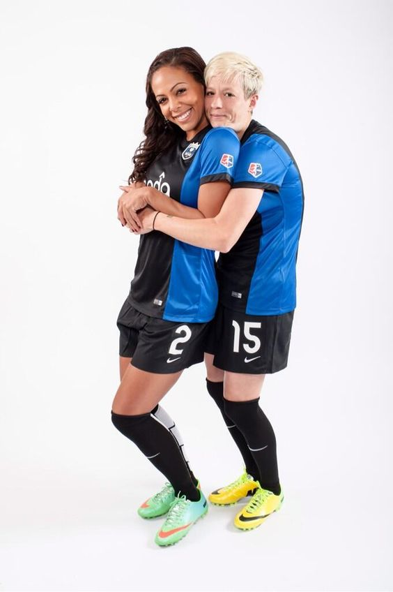 "Sydney Leroux's twitter ""She just can't get enough of me I guess @Joanne Spelts Marvin. #stronghold pic.twitter.com/KgC5Ni5tyB"" Seattle Reign FC"