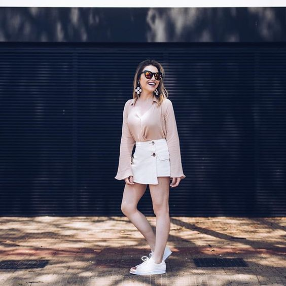 Tudo combinadinho em branco e rosa para o look @damyller de hoje! #ootd #style…