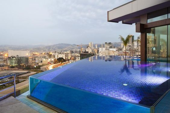 Striking balcony pool design of hotels with infinity pools - Small infinity pool ...