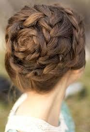 Tóc búi hoa hồng