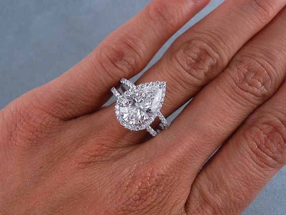 3 81 Carats Ct TW Pear Shape Diamond Engagement Ring D SI1 eBay