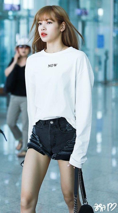 Blackpink Lisa Fashion Official Korean Fashion Korean Mobel
