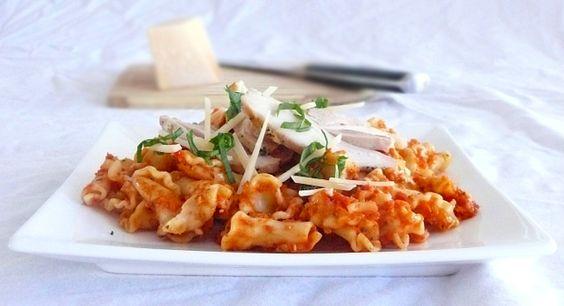 Campanelle all'Arrabbiata Rustica con Pollo all'Aglio......Chicken and Pasta with Spicy Arrabbiata Sauce