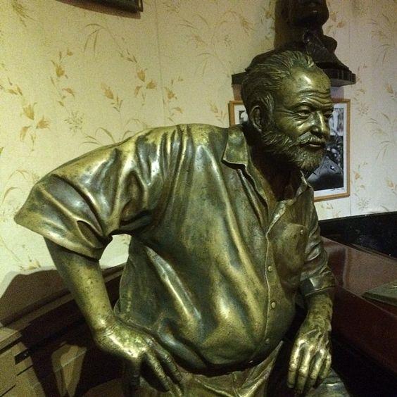 #Ernest #Hemingway #Cuba  #Habana #Caffe #Floridita #Bar #Sculpture by lemurl