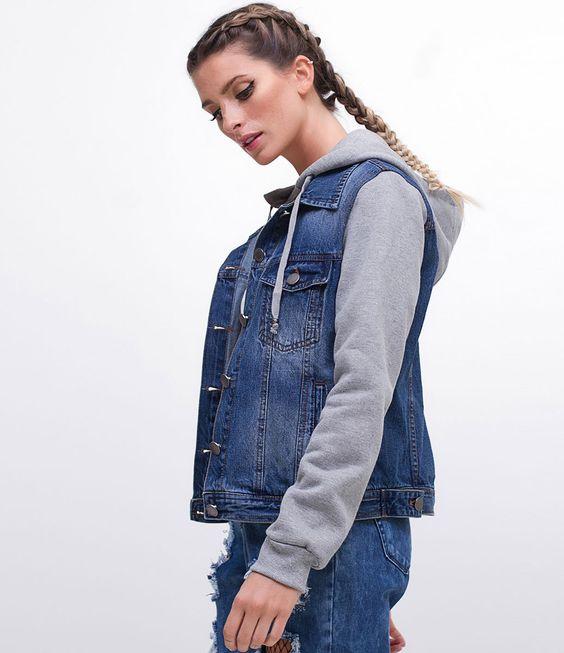 Jaqueta feminina  Com mangas em moletom  Com capuz em moletom  Marca: Blue Steel  Tecido: jeans  Composição: 100% algodão  Modelo veste tamanho: P       Medidas da modelo:     Altura: 1.75  Busto: 80  Cintura: 59  Quadril: 89       COLEÇÃO INVERNO 2017     Veja outras opções de    jaquetas femininas   .