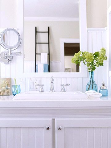 white bathroom - my accent colours