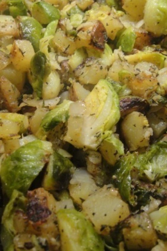 Brussels Sprout Potato Hash | Recipes to try | Pinterest | Brussels ...