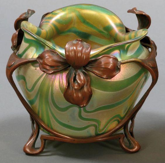 Vase mit Bronzemontierung Loetz Witwe, Klostermühl: