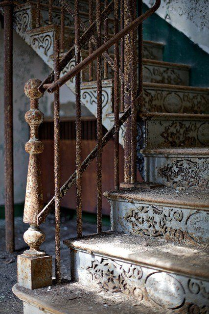 This makes me almost want stairs!  <3