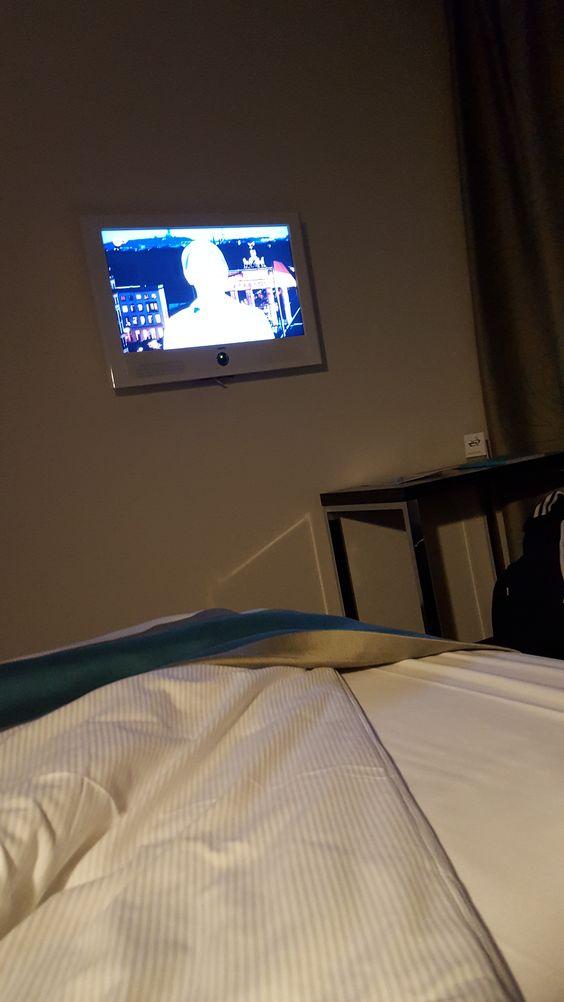 Fernsehen im Hotelzimmer 2016