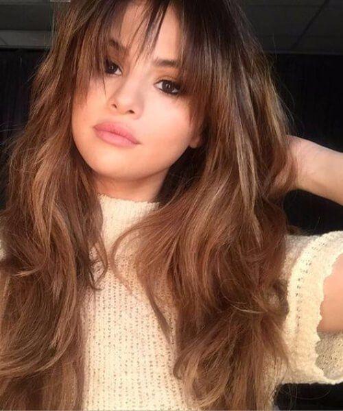 Selena Gomez Frisuren Mit Pony Selena Gomez Frisur Haarschnitt Frisur Pony Lang
