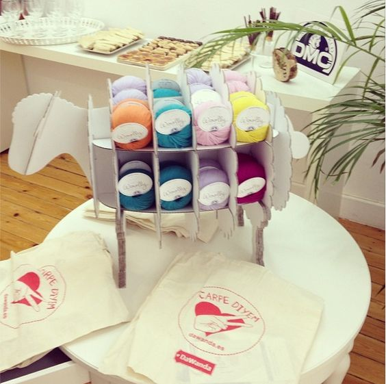 Mi primera cata de lanas con Woolly de DMC y Dawanda - http://www.tuscreaciones.com/mi-primera-cata-de-lanas-con-woolly-de-dmc-y-dawanda/ #Ganchillo, #Lana #Inspiración