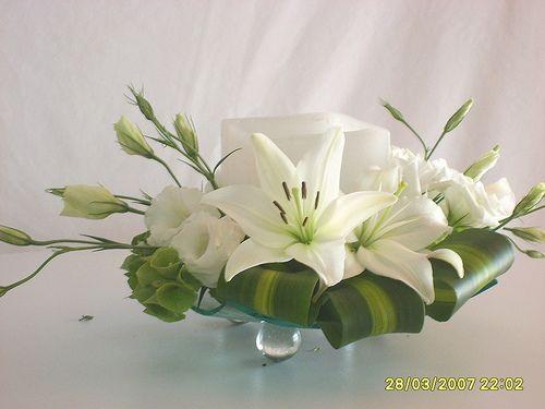 Ikebana mesas and flower on pinterest - Arreglos florales artificiales centros de mesa ...