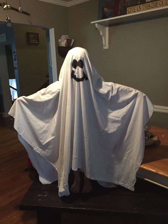 bed sheet ghost Add a little spooky, flying fun to your halloween decorations this year by making  a set of 4 flying halloween ghosts using supplies that you.