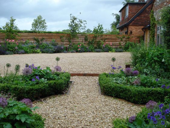 Country Welcome - a design for a garden in Henley | Coleby & Faulkner