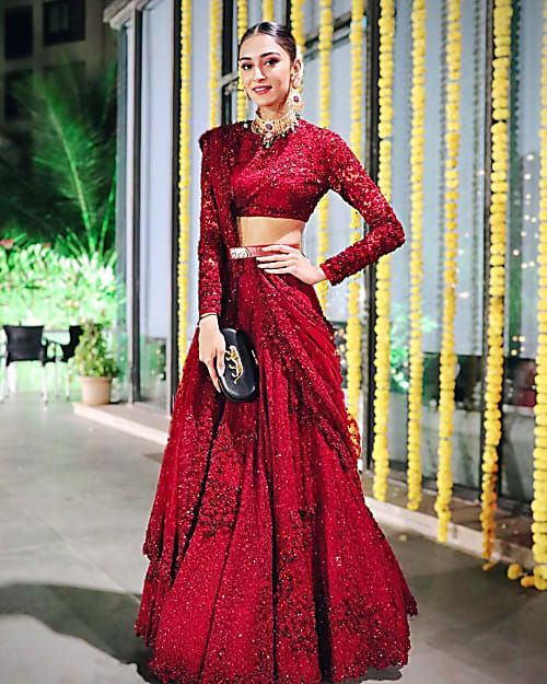 Erica Fernandes Proves That Classic Red Lehengas Are Here To Stay In 2020 Bridal Lehenga Red Dress Indian Style Traditional Outfits