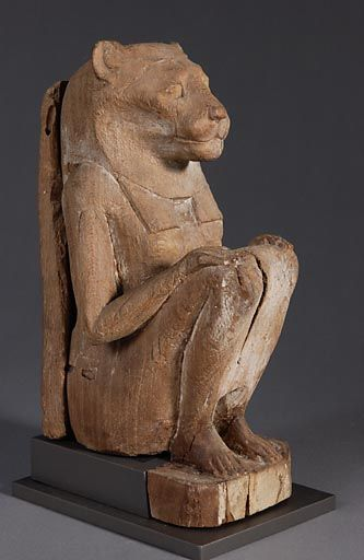Déesse lionne accroupie, Basse Epoque, 664 - 332 avant J.-C., H: 26,8 cm   Musée du Louvre