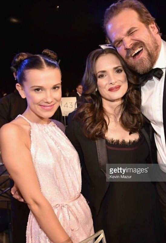 Millie Bobby Brown Winona Ryder And David Harbour From Stranger Things At The Sag Awards On January 21 2 Beautiful Celebrities Millie Bobby Brown Celebrities