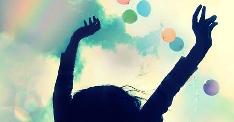 Le possibilità che hai di realizzare te stesso sono infinite. Lasciati guidare dall' intuizione e scopri come vivere all'insegna della serenità e gioia